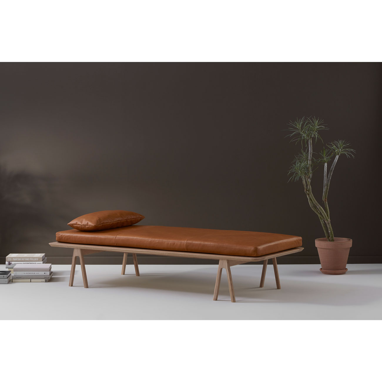 Level Daybed